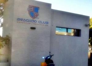 BRAGADO CLUB PERMANECE CERRADO Y TRABAJA EN LOS PROTOCOLOS PARA EL REGRESO