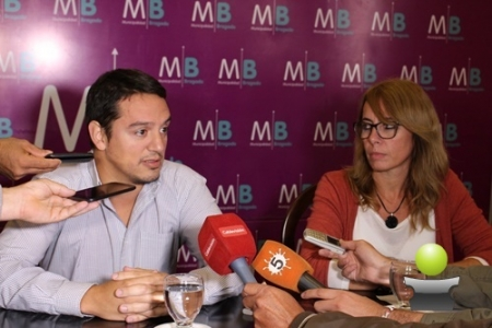 NUEVA ENTREGA DE MOBILIARIO Y VISITA DEL CONICET PARA PROVEER AGUA DE CALIDAD A LAS ESCUELAS
