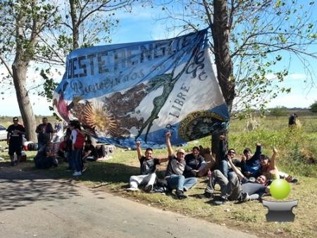"""BRAGADO PALPITA UN HECHO INEDITO: LA PREVIA DE LA RENGA TIENE MUCHO """"POWER"""""""
