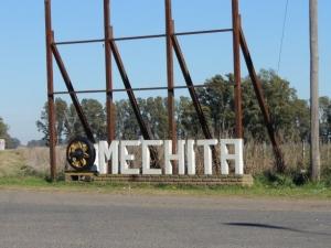 MECHITA: UN PUEBLO ENCLAVADO ENTRE DOS FASES