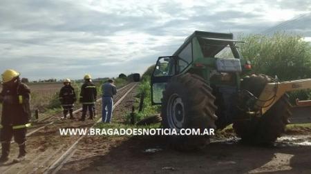 EL CONDUCTOR DE UN TRACTOR RESULTO HERIDO AL CHOCAR CON EL TREN