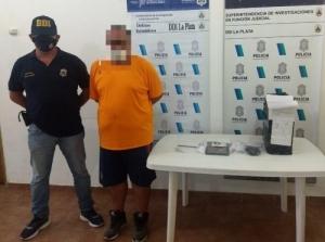 LA POLICIA DETUVO UN CHIVILCOY A UN ENFERMERO ACUSADO DE DISTRIBUIR PORNOGRAFIA INFANTIL