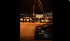 CLAUSURARON UNA CANCHA DE FUTBOL Y EL PROPIETARIO TUVO UN ALTERCADO CON LA POLICIA