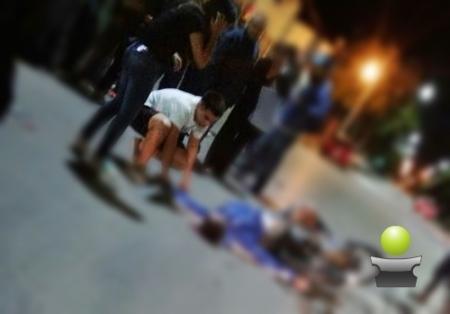GRAVE ACCIDENTE EN LA MADRUGADA EN PLENO CENTRO. DOS JOVENES HERIDOS